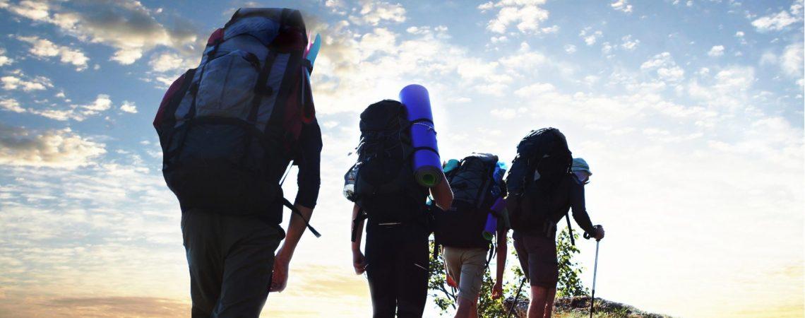 Co musisz mieć w plecaku podczas wycieczki w góry?