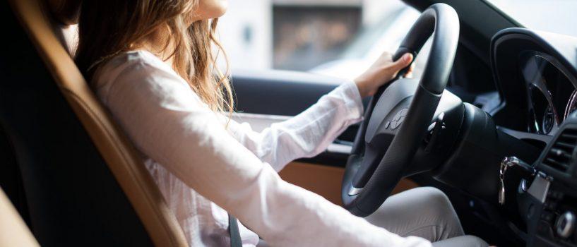 Groźne bakterie w samochodzie! Skąd się tam biorą, jakie choroby wywołują i jak się ich pozbyć?
